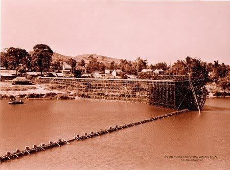 Bánh xe lấy nước trên sông Trà Khúc